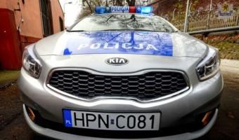 Poznań – Policjanci eskortowali auto z duszącym się noworodkiem! FILM Wielkie brawa dla sierż. Patryka Wiśniewskiego oraz post. Moniki Mrówczyńskiej!