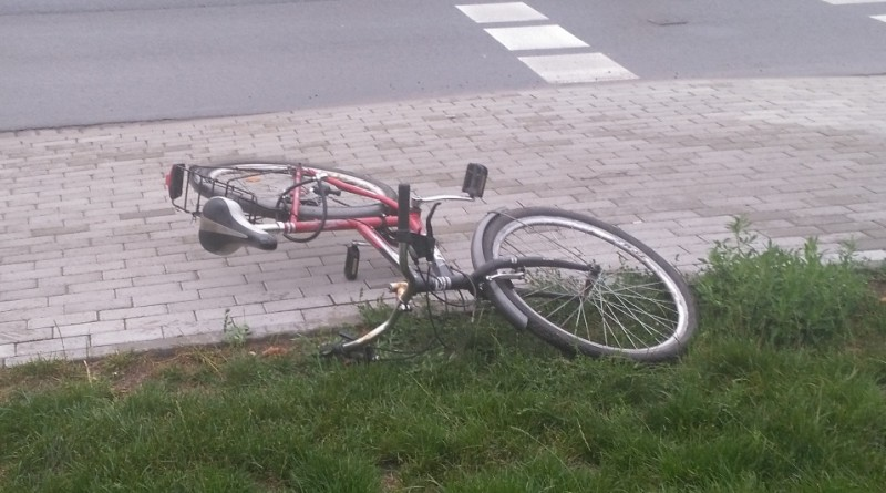 nowy tomyśl wypadek rower policja