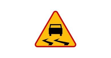 ślisko znak drogowy
