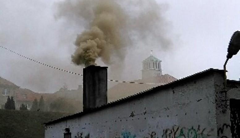 smog-w-poznaniu-fot-dym komin