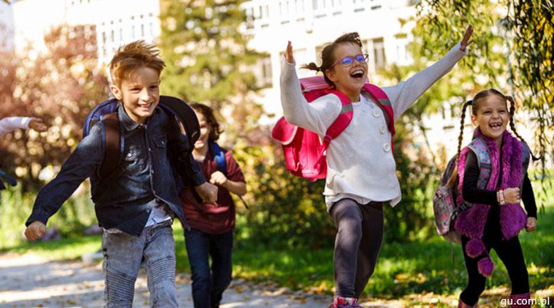 Happy school kids